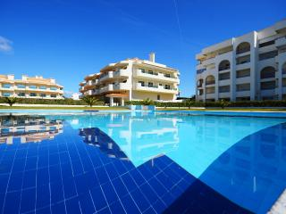 Brand New 2 Bedroom apartment, Swimming Pool, Armacao de Pera