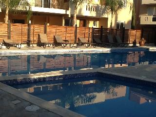 Morpheus 1 bedroom Apt sleeps 4, KIti Larnaca with Free WiFi & Air Conditioning