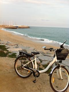 Bike on the beach (bike rent)