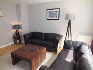 Executive City Centre Flat with Parking, Aberdeen