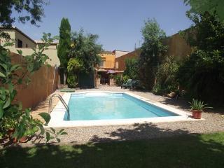 Casa con piscina y jardin priv para 10-12 personas