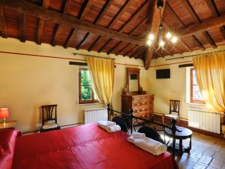 Anna: cozy house for 8 people in medieval village, Montemaggiore al Metauro