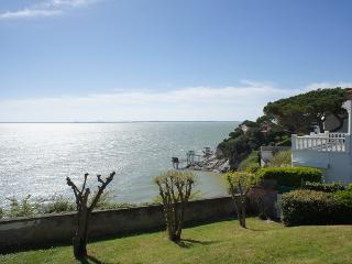 La Désirade, Arces Sur Gironde