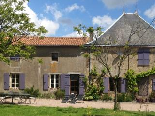 Delightful French Farmhouse, Boussais