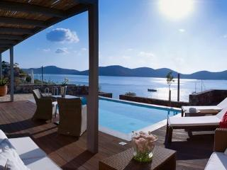 Villa Marina, 3 bedroom villa at Elounda