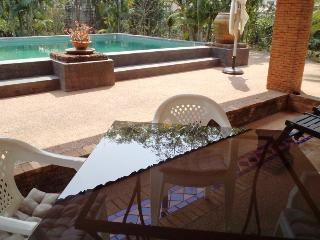Villa (private salt-water pool)