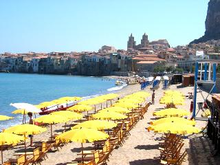 Cefalu, Italy, Sicily, apartment  b&b in downtown centre