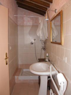 il bagno delle camere 1 e 2
