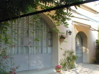 Carmela Cottage, Lastra a Signa