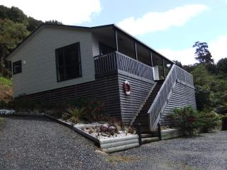 Seafarers Cottage, Stewart Island, NZ