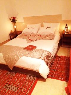 SHEHERAZADE's king size bed