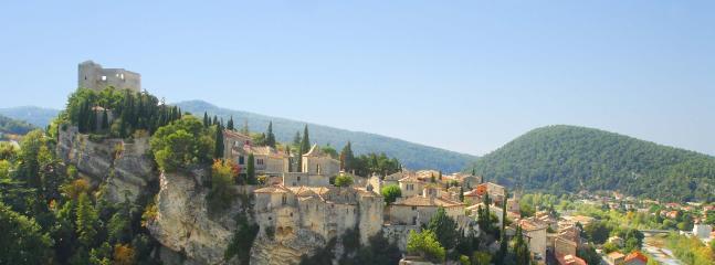 Vaison la Romaine old town