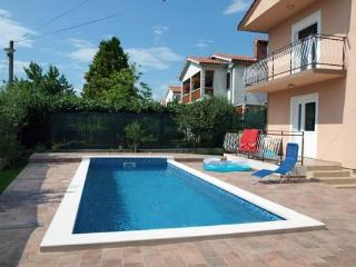 Private accommodation - holiday house Strmac 8141 Holiday house, Vinez
