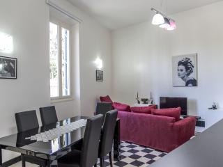 Testaccio 4 bedrooms apartment