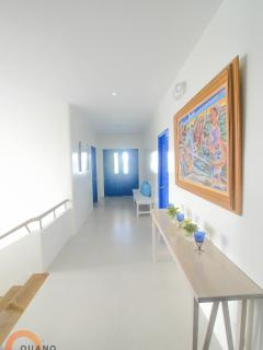 Ouano Beach House - hallway