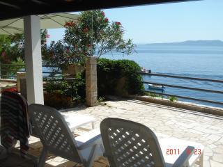 Split rental beach Villa for 16