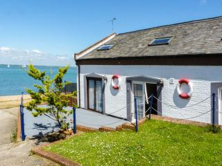 WEST SEA VIEW NO. 4, converted boathouse, access to beach, parking, slipway, in
