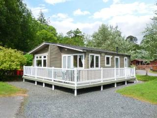 GRASMERE 5, WiFi, decked patio with furniture, use of indoor pool, sauna and gym, Ref 914318, Troutbeck Bridge