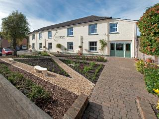 Peartree Apartments, Salisbury