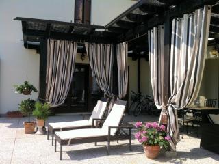 Luxury Villa Near Venice Sleeps 14-16 FREE WI-FI, San Dona Di Piave