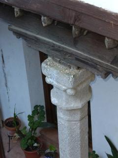 Detalle Columna Isabelina