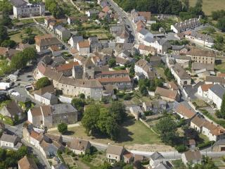 issy l eveque village pittoresque