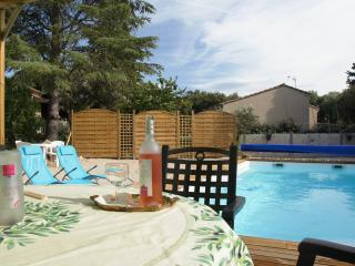 Villa avec la piscine à Bedoin au pied Mt Ventoux