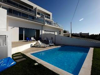 Luxury villa in North Beach Nazaré