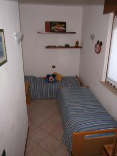 cameretta ( appartamento con 2 camere )
