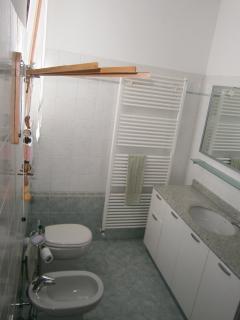 bagno (appartamento con 2 camere )