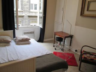 Studio Apartment In The Heart Of Old Bordeaux, Burdeos