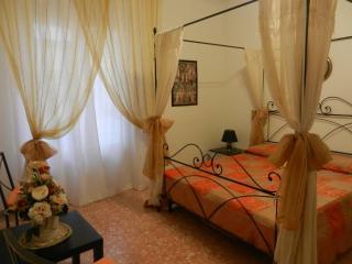 FLORENCE HOUSE, Florencia