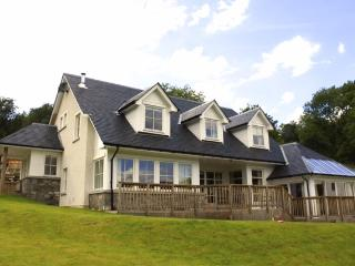 GRIANAN, Beautiful 5 bedroomed bespoke house, Lochearnhead