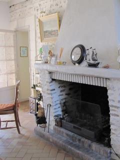 salon 1 avec cheminé