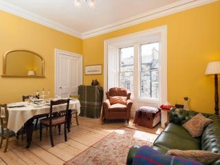 Castle View, Central, Traditional and Luxurious, Edimburgo