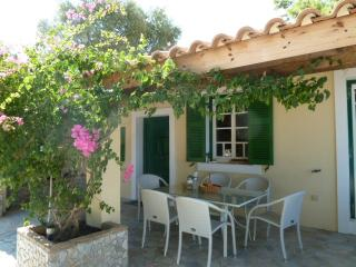 Villa Angela . 2 houses, up to 10 persons . special offers!