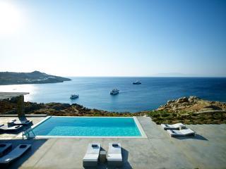 Luxury villa at Paradise beach, Mykonos-Stadt