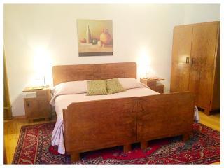 Italian linens and a new mattress insure sweet dreams.