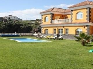 SAL5319974| Beautiful 5 Bedroom Villa. Spectacular Views. Lawned Gardens., El Médano