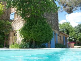 Villa with private pool/terrace and tiered garden, Gordes