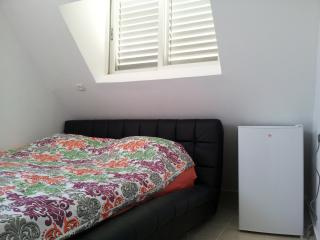 Cozy 1BD apartment with roof, Ashdod
