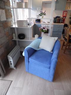 Comfy Arm Chair : )