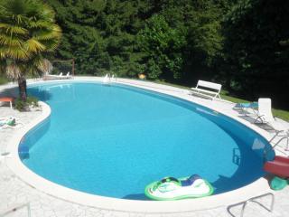 Appartamento in villa Anna con Parco e Piscina