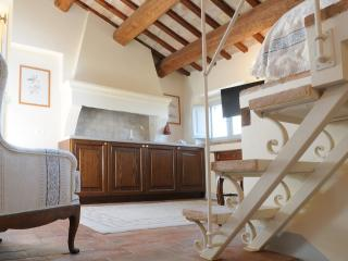 Luxury Studio Apartment - split level