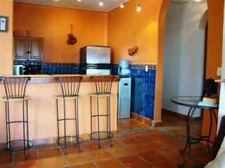 MIXTECA 4 - affordable and great location!, Playa del Carmen