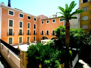 Sunny Apartment in Historical Palma Old Town