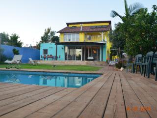 Beautiful Villa with large pool 7min from the Sea, Herzlia