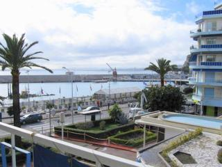 JdV Holidays Apt Euphorbe 6, seafront apartment with balcony and port views, Nice