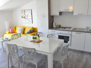 Luxury apartments Bonaria - Jugo (4+1)