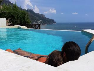Nido, Sea View, by Amalfivacation